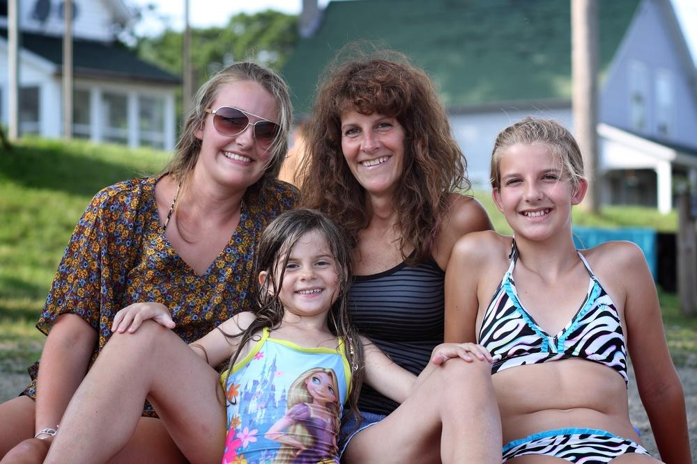 Brittany, Suzanne, Brooke & Gwendolyn.jpg