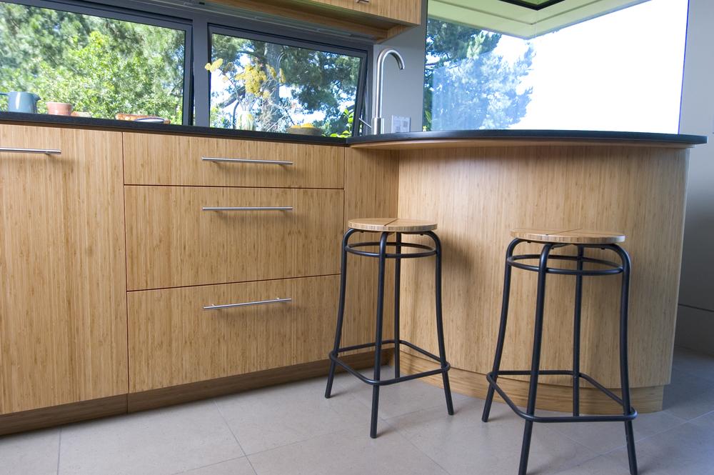 kitchen bar w: stools.jpg