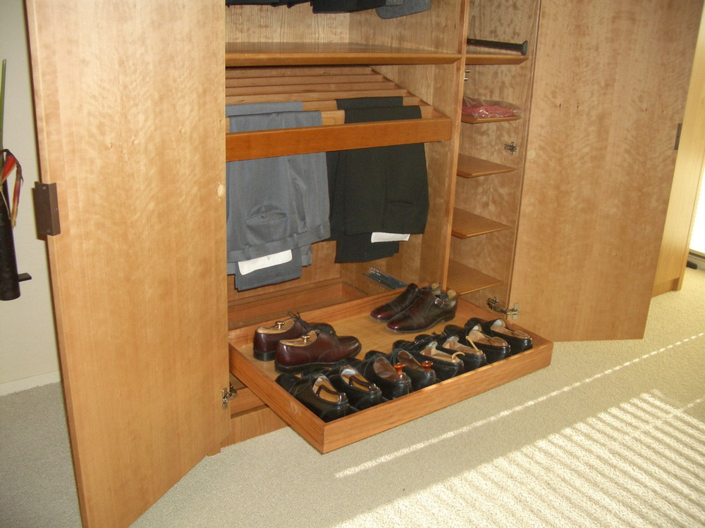Breen wardrobe detail2.jpg
