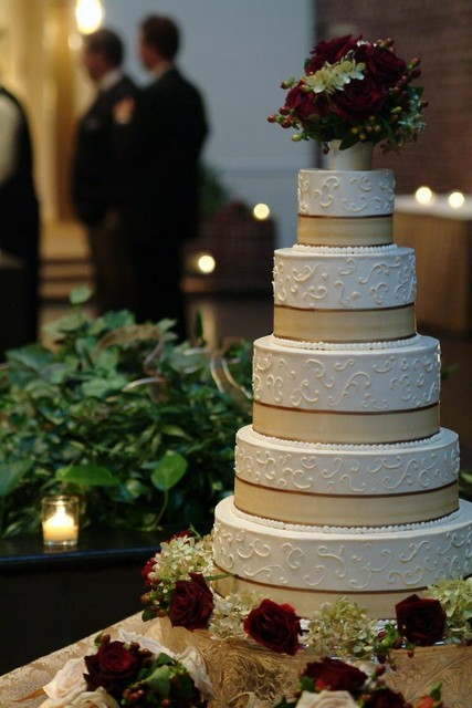 perfect_wedding_cake_sized.jpg