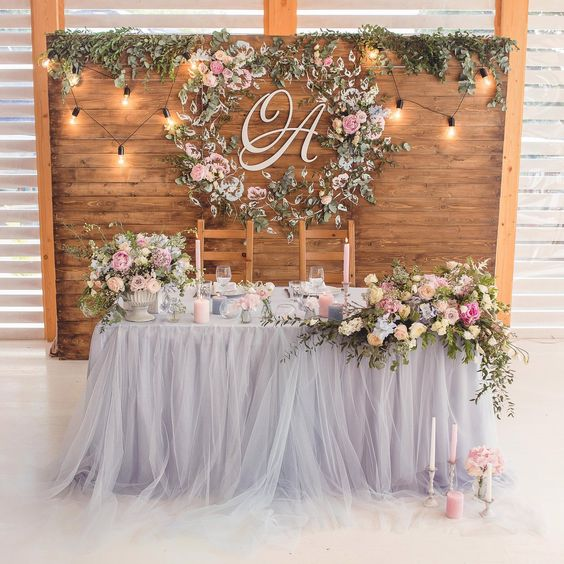 sweetheart table.jpg