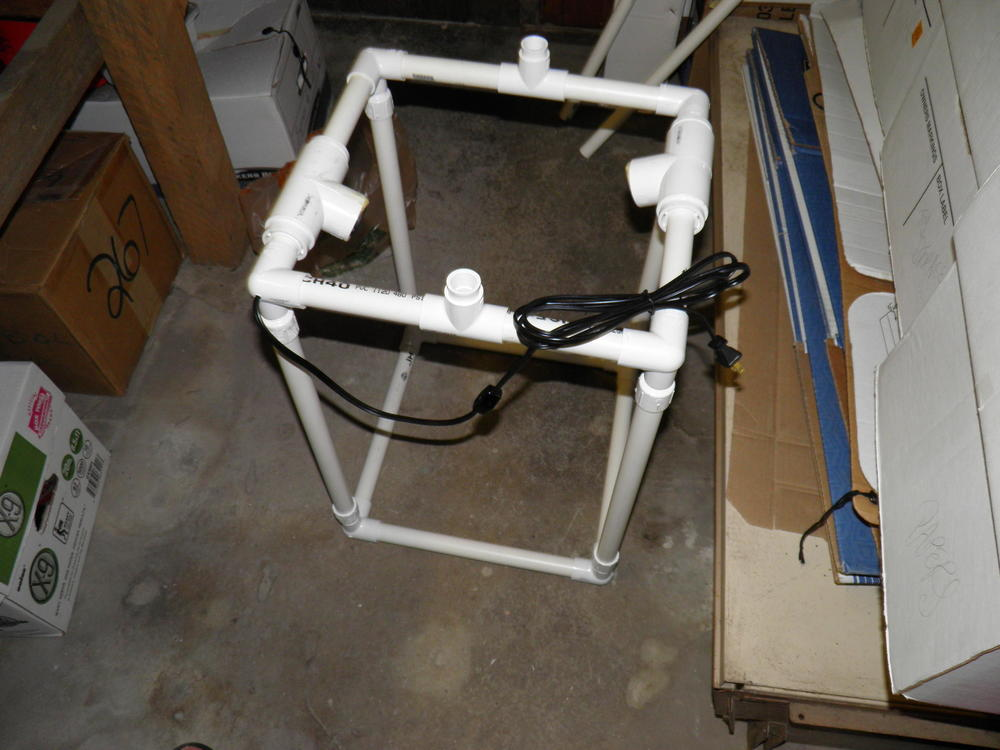 Top Frame Fitting on Bottom Frame and Legs