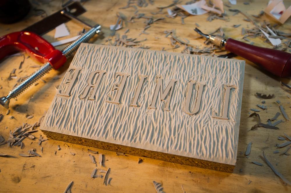 Linocut Lumiere Typeface