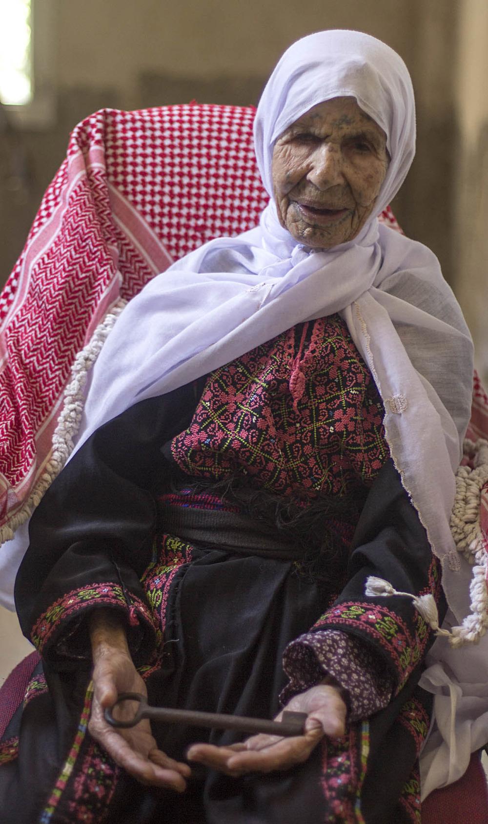 Foto : Kafra, palestina refugiada por años en el campo de Dheisheh en Belén (Cisjordania).