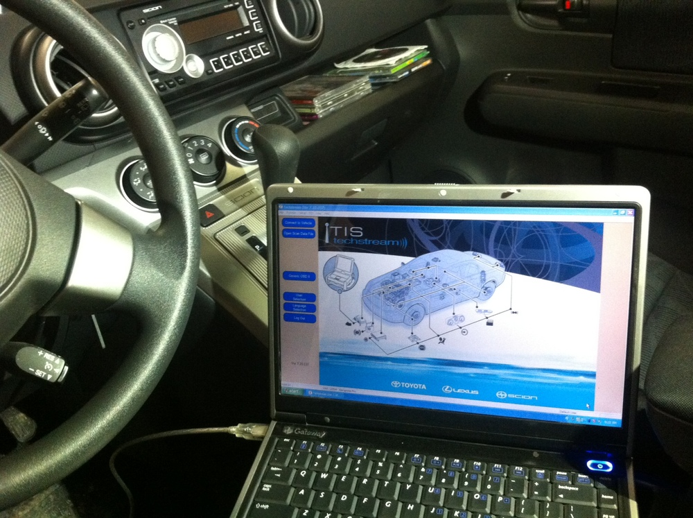 Toyota techstream  hooked to scion performing health check