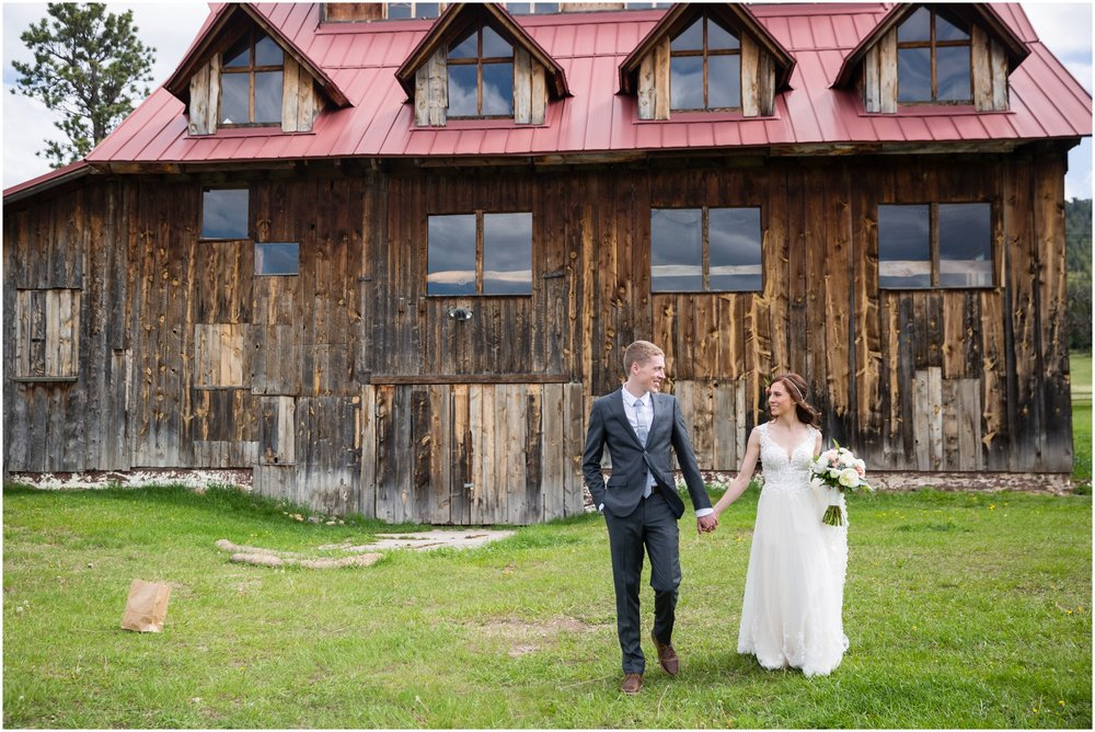 Evergreen_Barn_Wedding_Photographer.JPG