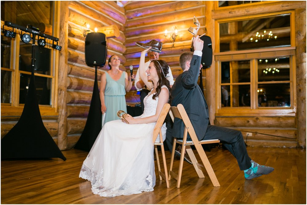 Evergreen_Wedding_Photos_Shoe_Game.JPG