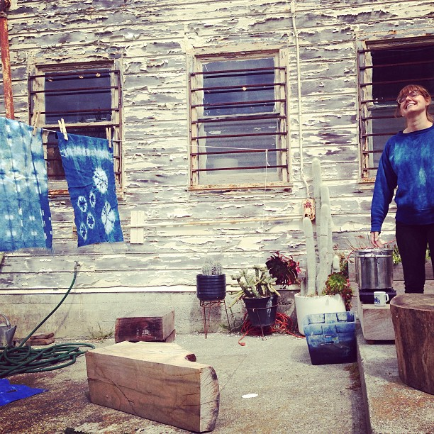 Niki demonstrates a ranges shibori techniques