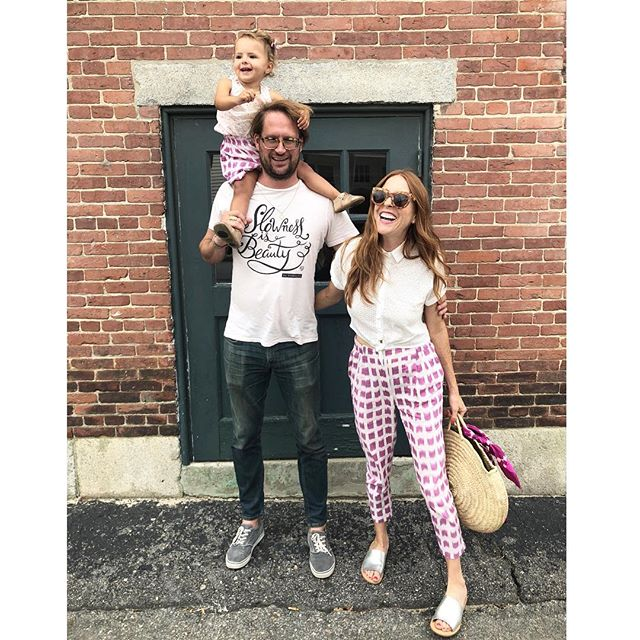 Love this cute family and love them in matchy Podolls! 💕 #peopleinpodolls #slownessisbeauty @nataliebdesigns @thebrookshires
