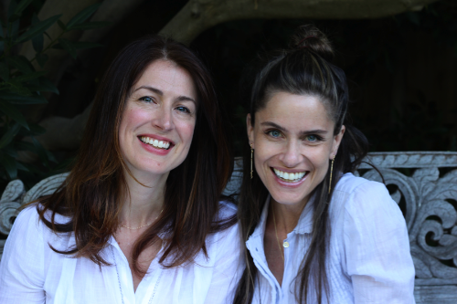 Andrea Troyer and Amanda Peet