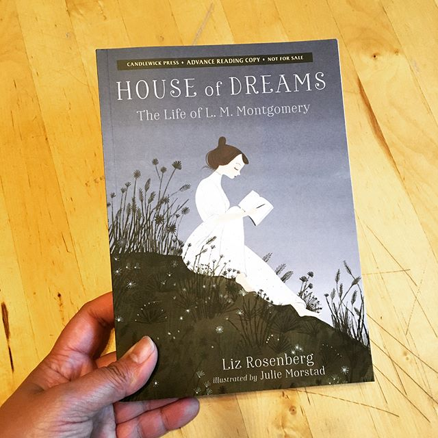 Thanks to @candlewickpress for the new reading material! #inmymailbox  HOUSE OF DREAMS by Liz Rosenberg, illus. by Julie Morstad • JABBER-WALKING by Juan Felipe Herrera • SMASH: FEARLESS by Chris Bolton, art by Kyle Bolton 📚 #houseofdreams #jabberwalking #smash #readnowsleeplater