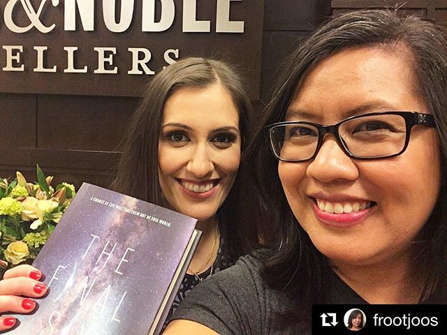 Wish I'd gotten more photos of #thefinalsix book launch party, but I was busy asking @alexandramonir questions on stage, #nbd! I hope everyone goes out and gets this—it's my favorite of all her novels so far. #harperteen #bneventsgrove #finalsix #yalit #youngadult