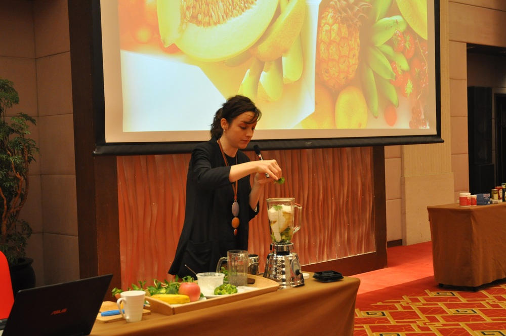Open Cerimony speech... and green smoothie tasting