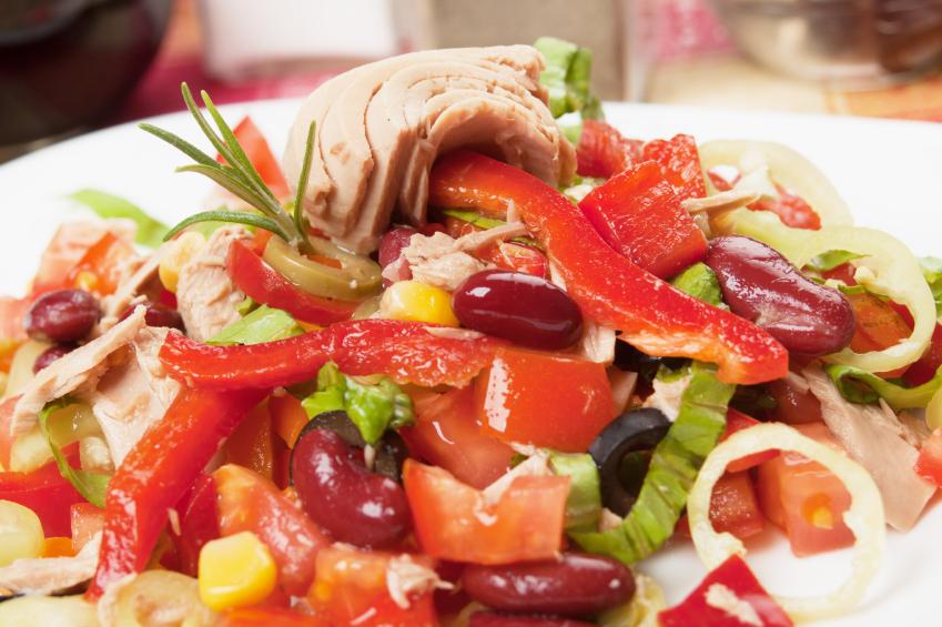 Gurken-Bohen-Salat mit Thunfisch