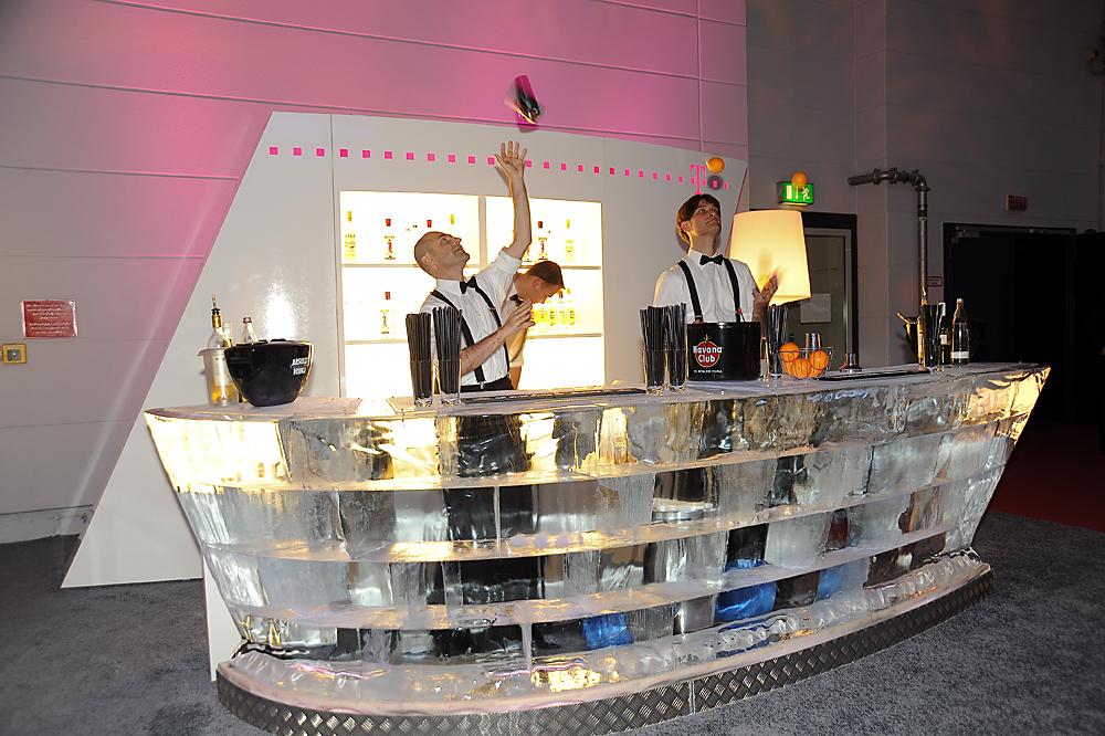 Telekom Curved Ice Bar