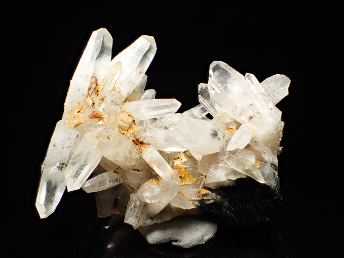 - Cultures in Central and South America, the quartz meaning was that of a vessel. The believed that the spirits of their ancestors were held in clear quartz like an urn for spirits. They carved the clear quartz stone into the shape of a human skull, and used it as a religious talisman.