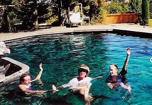 3 JaneOgle, Donna & Kathy Moore cooling off
