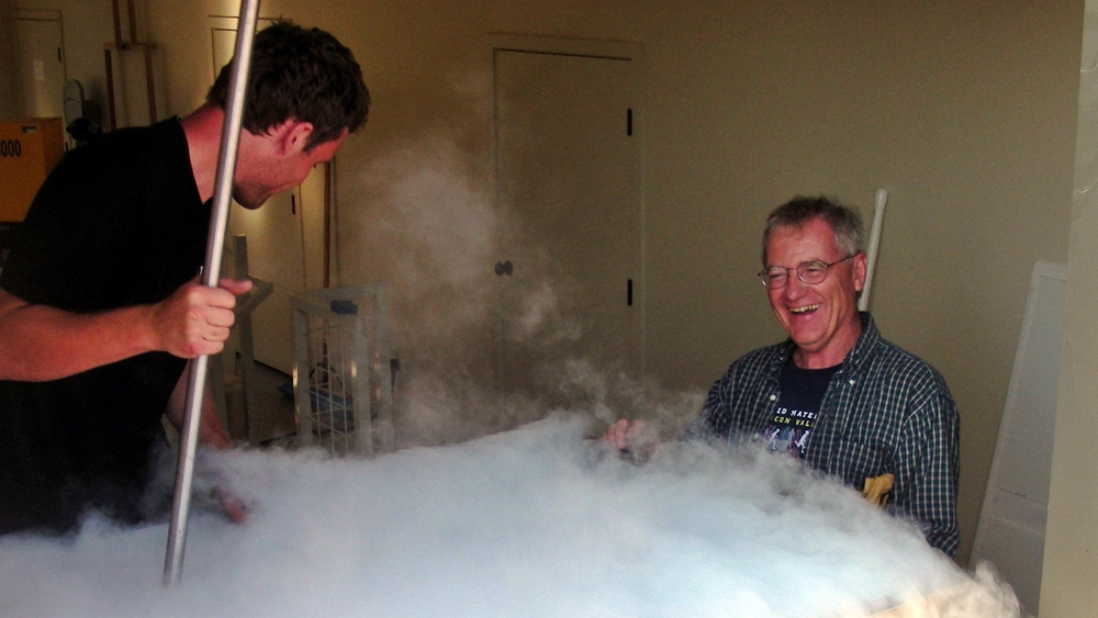 8 Aran Healy & Greg Martin starting the cold soak with dry ice