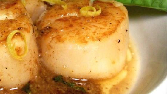 easy garlic lemon scallops.jpg