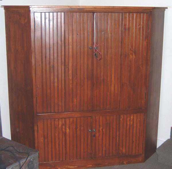 Amandes Corner TV Cabinet