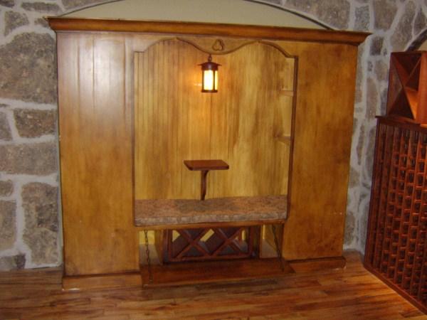 Wine Cellar Setee