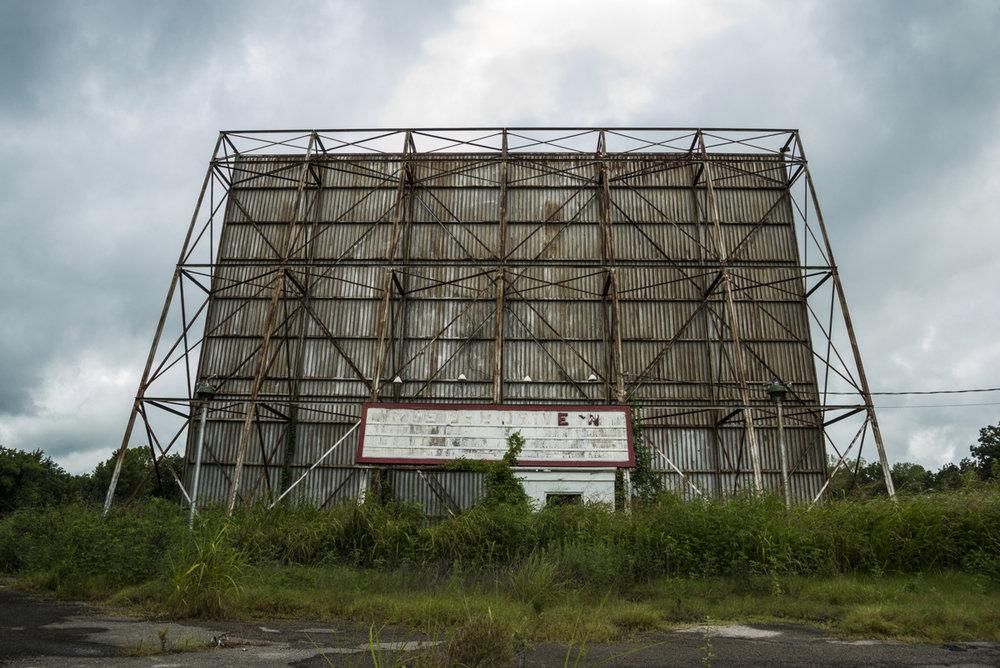Abandoned Tee Pee Drive-In, located in Sapulpa, Oklahoma.jpg