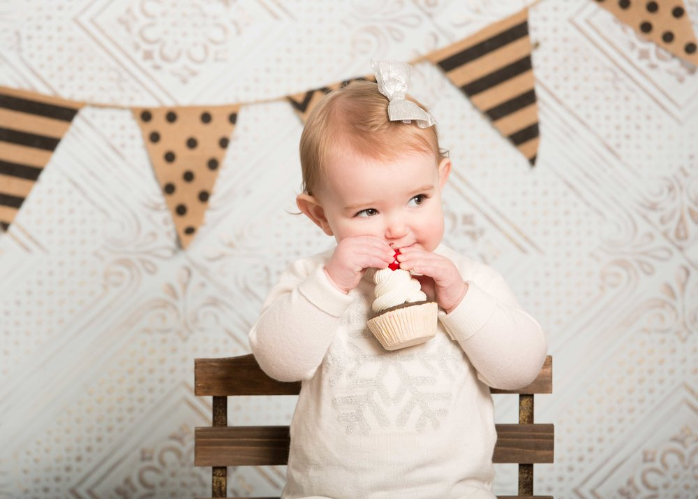 Ryleigh's one year session-5.jpg