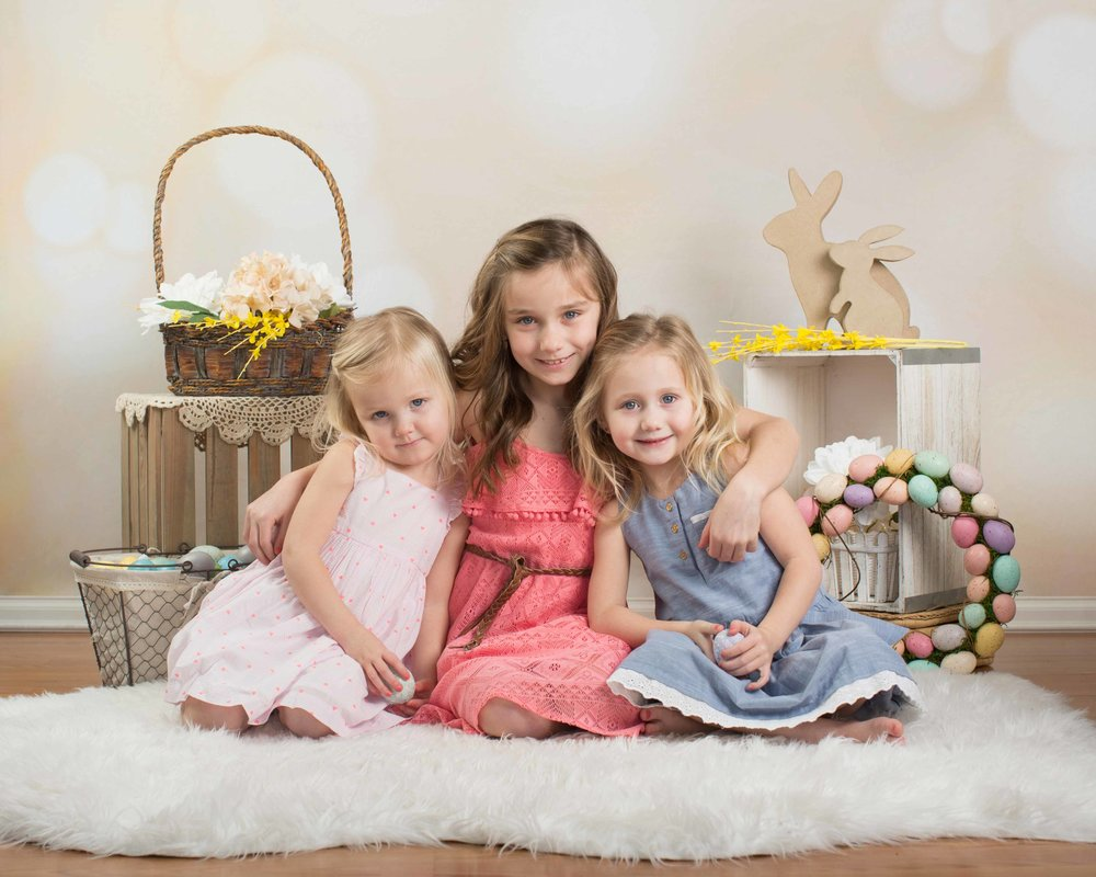 Ella, Nora, & Mia's Easter session-2.jpg