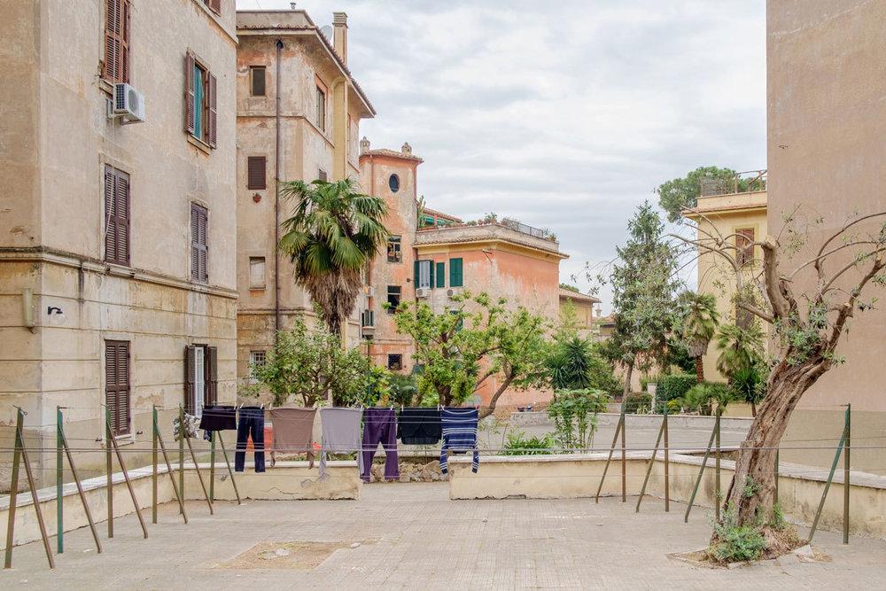 I quartieri di Garbatella, del Quadraro, di San Basilio, del Quarticciolo e del Tufello sono stati progettati agli inizi del novecento come aree di edilizia popolare. (Gabriele Lungarella)