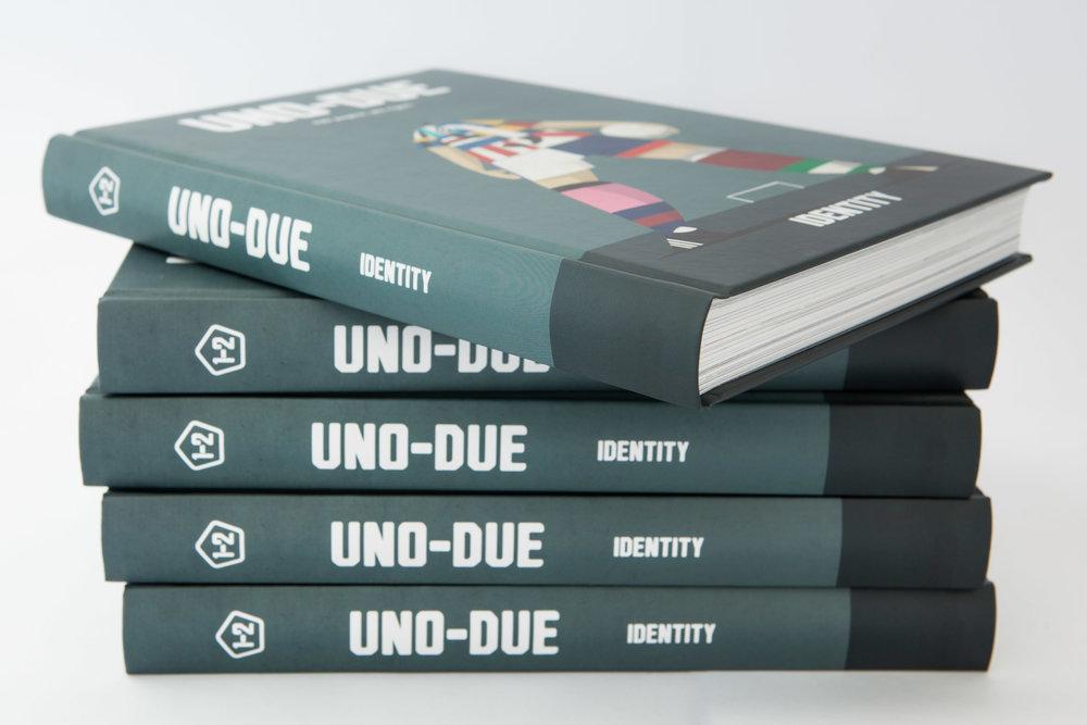 Cover-Identity-Uno_Due-Gabriele_Lungarella-_MG_9034.jpg