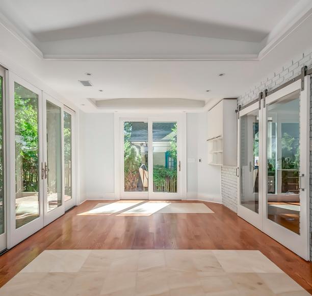 Modern Sunroom in Atlanta -