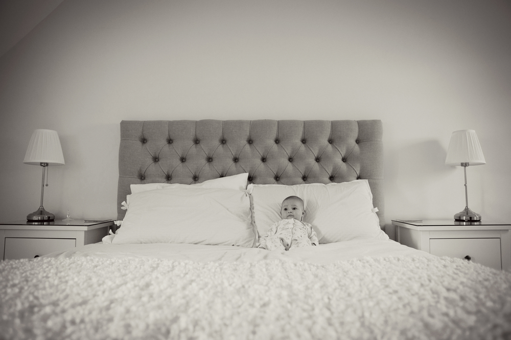 Sophie Evans Photography, Warwickshire family photographer, lifestyle babyshoot at home (14).jpg