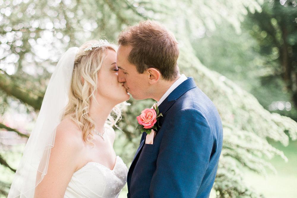 078_Sophie Evans Photography, Rebecca & Simon wedding, The Folly at The Farmhouse, Mackworth Wedding. Warwickshire wedding photographer.jpg
