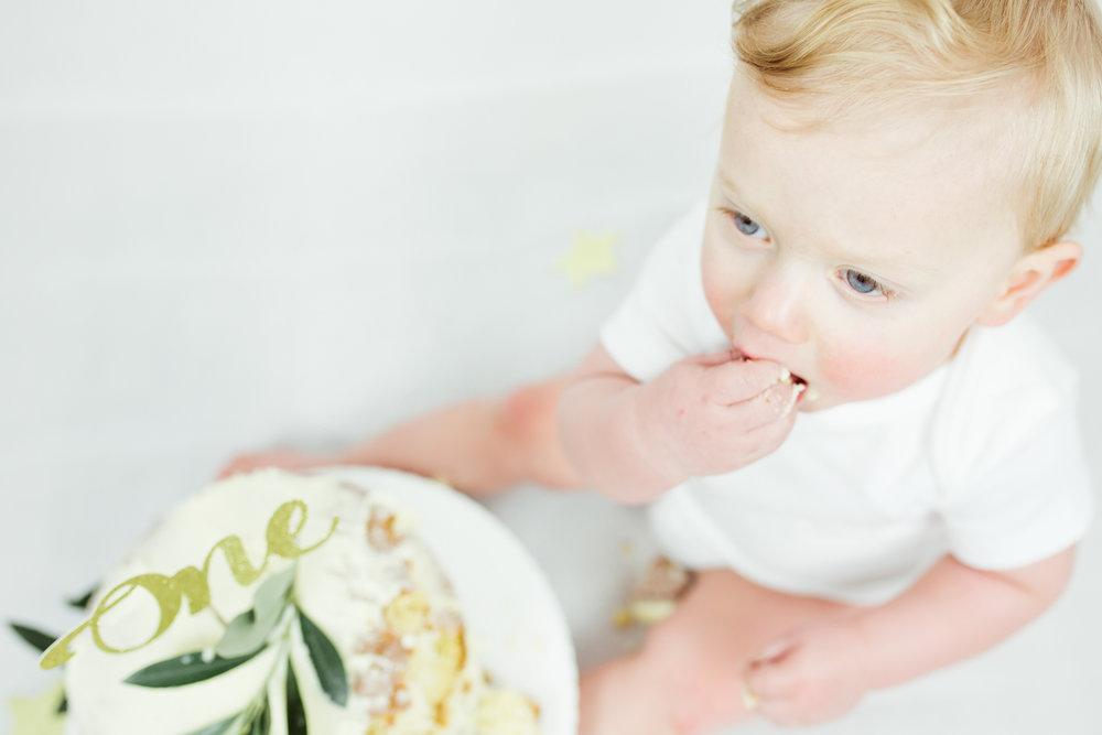 Sophie Evans photography, modern cake smash, warwickshire cake smash-15.jpg