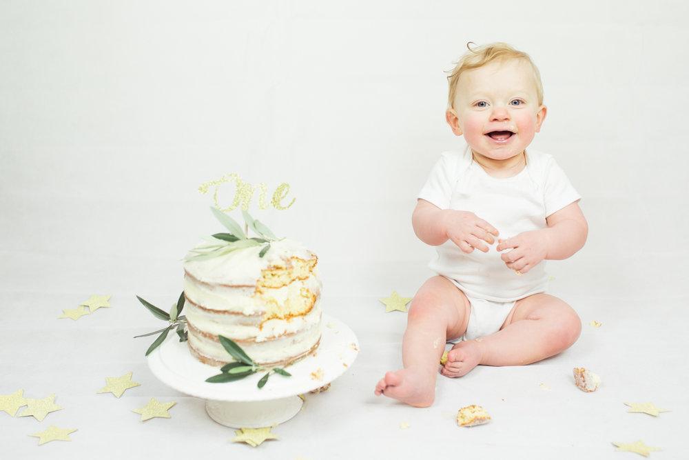 Sophie Evans photography, modern cake smash, warwickshire cake smash-16.jpg