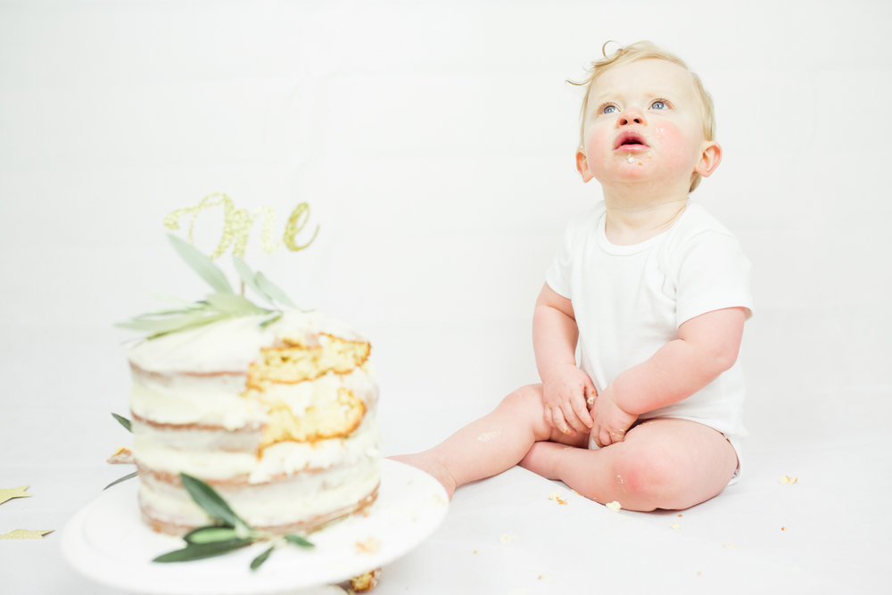 Sophie Evans photography, modern cake smash, warwickshire cake smash-18.jpg