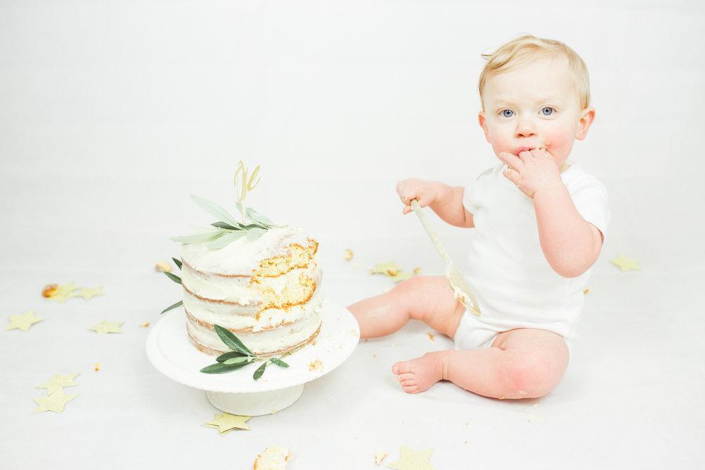 Sophie Evans photography, modern cake smash, warwickshire cake smash-21.jpg