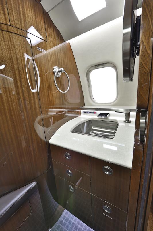 Learjet60XR_sn60-319__ss_--9.jpg