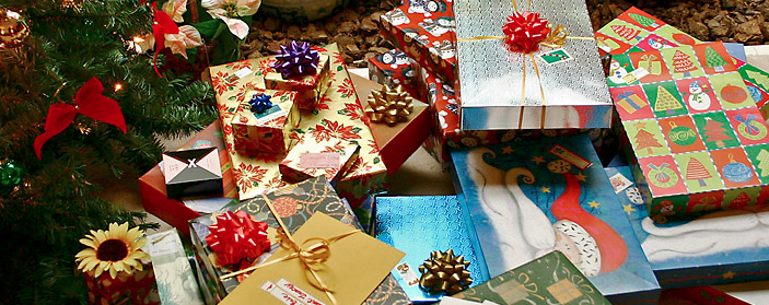From Wikipedia Commons at http://commons.wikimedia.org/wiki/File:Gifts_xmas.jpg