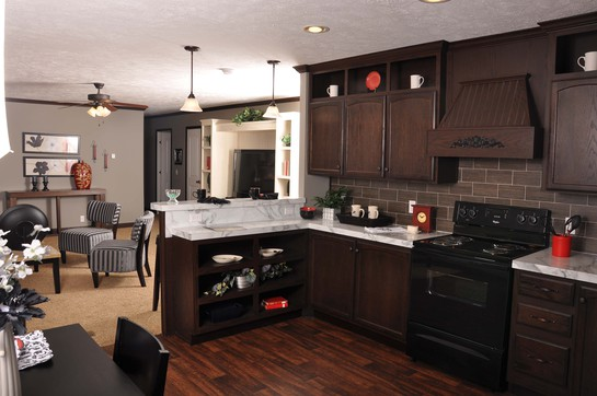 32663k_kitchen_toward_living_room_545.jpg