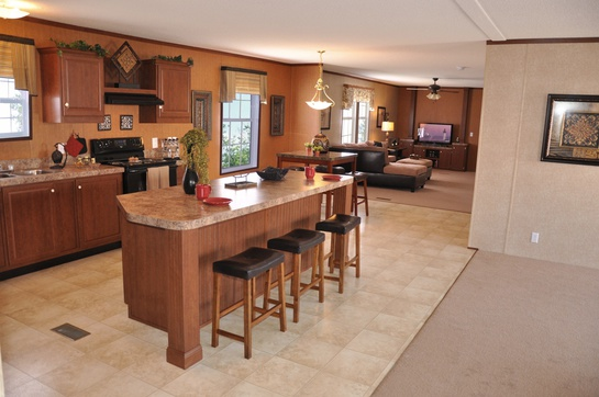 28764b_kitchen_looking_toward_family_room_545.jpg