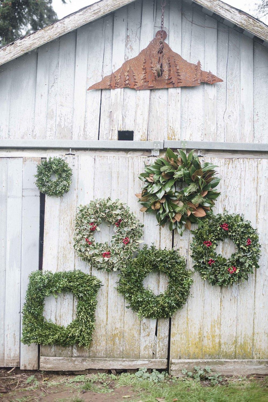 wreathsmall_103.jpg