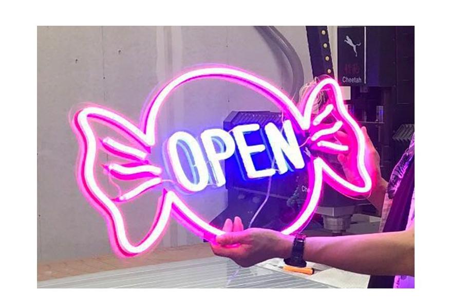 led-plastic-neon-1.jpg
