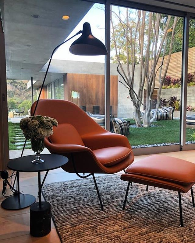 Who doesn't love a classic? #knoll #dwr #saarinen #wombchair #mantisfloorlamp #interiordesign #interiordecor #marksgarden #janusetcie