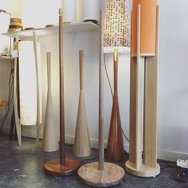 A selection of our G&GD floor lamps designed and made by us. Our 'Minimal' standard floor [front two] comes with 2 sized bases either 40cm or 30cm D depending on the shade size you choose . . #lampshades #lampshade #customlampshades #lighting #decor #homedecor #design #interiordesign #textiles #handmade #australianmade #custom #woodworking #woodturning #tasmanianblackwood #americanoak #floorlamps #minimallamp #redfern #grahamandgraham