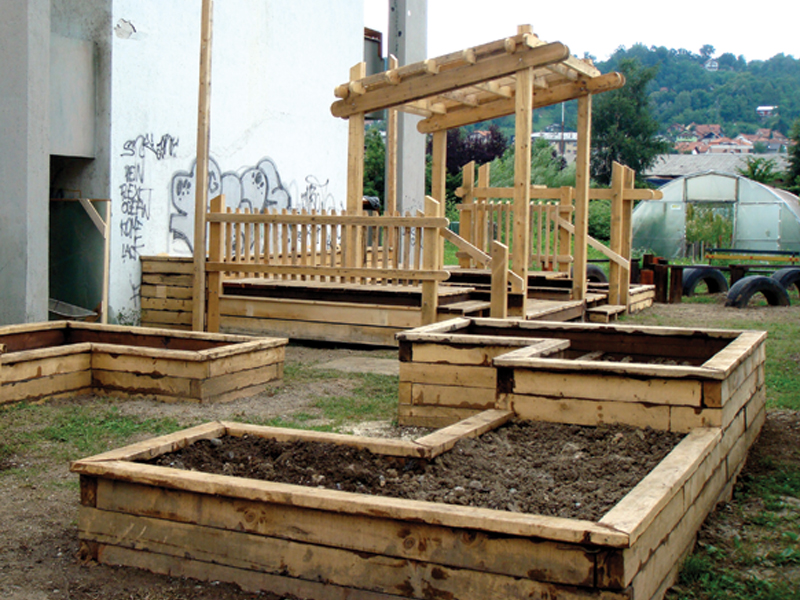 ADA Horticultural Therapy Beds
