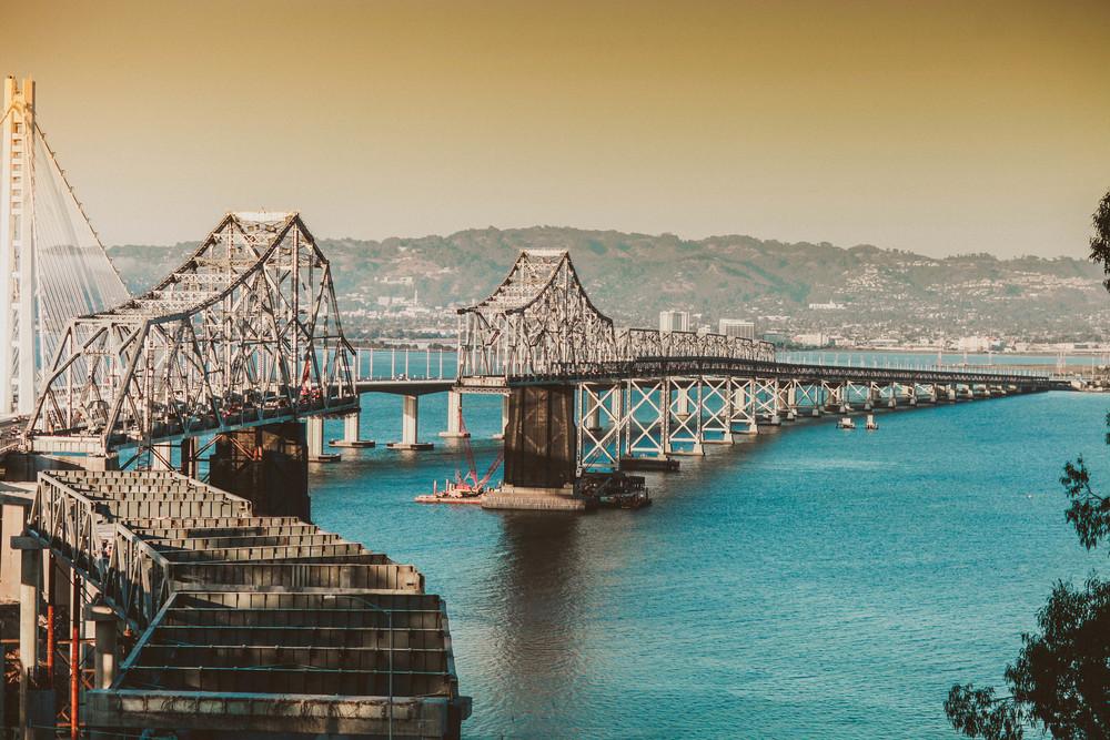 bridgg.jpg