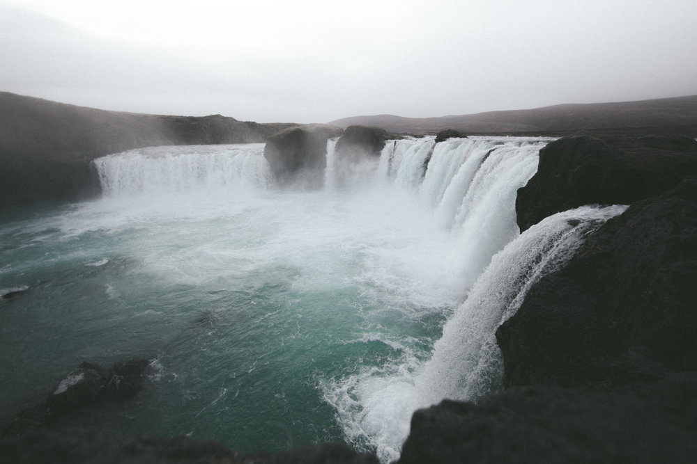11.09.2016 // waterfall of the gods, godafoss falls.