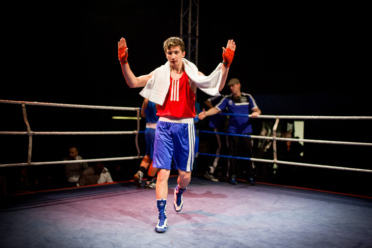 Surkho Shamilov won against Marcus Dypdahl from the club B-30 in the semifinals. Tomorrow he'll continue at the finals of the Norwegian championship in boxing.    Shamilov is one of the three boxers I've been following this weekend from Sportsklubben av 1909.