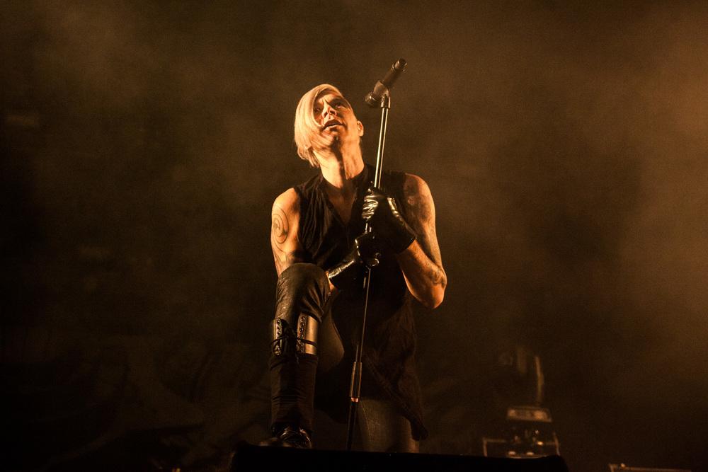 Alex Møklebust, vocalist in the band Seigmen.